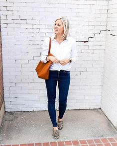 White button down ✔️ skinny jeans ✔️. Like #StitchFixInfluencer @littlemissfearlessblog, cross the classics off your style checklist like by asking for essentials in your next Fix. #Regram