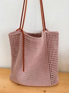 Crochet Market Bag, Crochet Tote, Diy Crochet, Crochet Blanket Patterns, Baby Blanket Crochet, Diy Bags Patterns, Bag Pattern Free, Macrame Bag, Brown Leather Totes