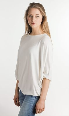 everyone needs a basic oversize shirt, white's the color for summer! you can buy it at blaccbird.de fashion made in Reutlingen