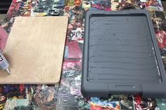 Dust Free Sanding Using a Storage Container : 15 Steps (with Pictures) - Instructables Woodworking Square, Easy Woodworking Projects, Popular Woodworking, Woodworking Jigs, Carpentry, Diy Sanding, Shop Dust Collection, Painters Tape, Vacuum Forming