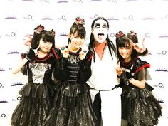 Babymetal with Chad-metal (Chad Smith)