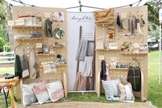 DIY Portable Pegboard Display Shelves - tips for better booth displays!