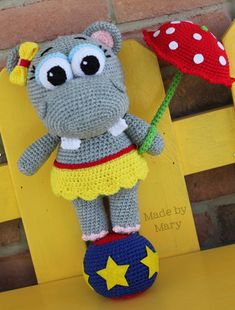 PDF PATTERN: Penelope the Hippo Crochet Pattern por maryabbie986