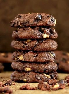Soft and chewy without being the least bit cakey! These healthier Double Chocolate Banana Cookies are vegan and refined sugar free, but so fudgy and flavourful that you Healthy Cookie Recipes, Healthy Cookies, Dessert Recipes, Cookies Vegan, Healthy Desserts, Easy Recipes, Soup Recipes, Vegan Chocolate, Chocolate Recipes