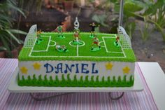 Futebol Football Birthday Cake, Sports Birthday, Boy Birthday, Soccer Cake, Soccer Party, Football Cake Toppers, Pirate Ship Cakes, Cake Decorating With Fondant, Cakes For Boys