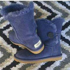 Authentic NAVY BLUE  Uggs Their in good condition only worn twice. UGG Shoes Winter & Rain Boots