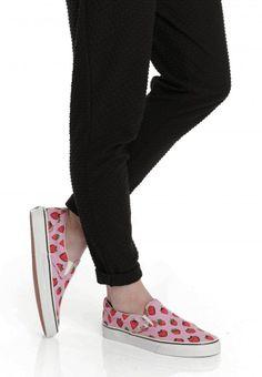 Vans - Classic Slip-On Strawberries Pastel Lavender/True White - Girl Schuhe - Offizieller Streetwear Online Shop - Impericon.com