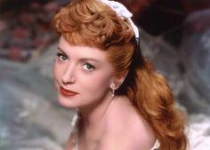 Deborah Kerr siempre será considerada como una de las grandes damas del cine. Este escocesa se convirtió en uno de los rostros más reconocidos del cine de la época dorada de Hollywood en los años 50. Títulos como Quo Vadis, El prisionero de Zenda, Las minas del rey Salomón, El rey y yo o De aquí a la eternidad, así lo atestiguan. En 1960 se casó con el guionista Peter Viertel (ya había estado casada antes), con el que estuvo casada 47 años, hasta su muerte en 2007. Viertel moriría unos días…