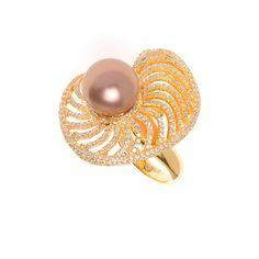 Sortija Salvatore Plata ref. 112S0155 chapada en oro con perla shell chocolate. Stud Earrings, Chocolate, Jewelry, Fashion, Silver Jewellery, Bronze, Pearls, Gold, Moda