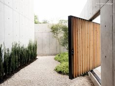 #gardengate #door #outdoordesign #outdoorliving | Robertson Design