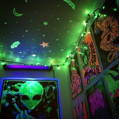 Important Solutions to Grunge Bedroom Neon Alien theme Bedroom Grunge Bedroom, Neon Bedroom, Room Ideas Bedroom, Bedroom Themes, Cozy Bedroom, 1930s Bedroom, Punk Bedroom, Bedroom Brown, Gothic Bedroom