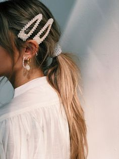 Tendências de verão 2020 as apostas da moda - Charme-se - Chic Ponytail And Hair Accessories You are in the right - Hair Day, My Hair, Hair Inspo, Hair Inspiration, Clip Hairstyles, Cute Bandana Hairstyles, Fringe Hairstyle, Party Hairstyle, Hairstyle Ideas