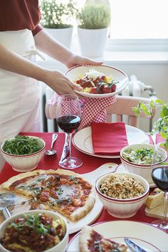 #italian #food   Dille & Kamille Party Entertainment, Table Settings, Sweet Home, Kitchen, Food, Parties, Cottage, Pasta, Entertaining