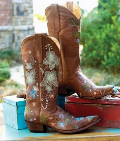 Old Gringo - Garden of Eden cowgirl boots.  I want these so bad! <3