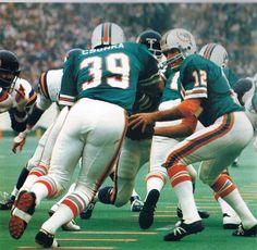 Classic Kicks  Bob Griese hands off to Larry Csonka, 1974