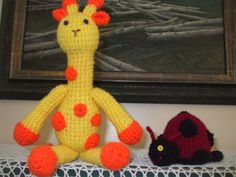 Giraffe and ladybug...fun patterns from Lion Brand Yarn