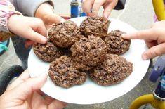 Ces biscuits au chocolat et gruau font le bonheur de petits et grands. Biscuits, Biscuit Cookies, Cookie Recipes, Deserts, Favorite Recipes, Sugar, Chocolate, Baking, Cookies