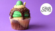 Choc Mint Milkshakes are so yum, so I decided to make it into a cupcake for you guys! These cupcakes are perfect if you love choc mint like I do, and they'll. Sweets Recipes, Fun Desserts, Delicious Desserts, Yummy Food, Cupcake Flavors, Cupcake Recipes, Cupcake Videos, Baking Cupcakes, Cupcake Cakes