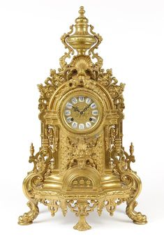 A ROCOCO REVIVAL STYLE MANTLE CLOCK URN TOP AND : Lot 11