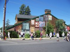Sisters Oregon Quilt Show.... outdoor quilts on a summer day.
