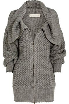 Celebrities who wear, use, or own Stella McCartney Oversized Wool Blend Cardigan. Also discover the movies, TV shows, and events associated with Stella McCartney Oversized Wool Blend Cardigan. Winter Wear, Autumn Winter Fashion, Fall Winter, Looks Style, Style Me, How To Have Style, Looks Jeans, Inspiration Mode, Mode Style