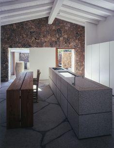Casa in pietra - Sardegna Foto: Paolo Utimpergher  Carl Hansen&Son; E15; Minotti Cucine; Piet Boon; rubinetti Boffi