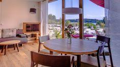 Direkt am See - Ferienwohnungen mit Blick auf den Pelhamer See und die Chiemgauer Alpenkette