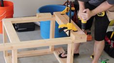DIY Mobile & Modular Workbench To Bring Your Shop to the Next Level – Gadgets and Grain Garage Workbench Plans, Building A Workbench, Workbench Designs, Mobile Workbench, Woodworking Bench Plans, Woodworking Workbench, Woodworking Projects Diy, Diy Wood Projects, Industrial Workbench