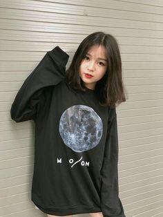 Ulzzang Short Hair, Korean Short Hair, Ulzzang Korean Girl, Korean Girl Photo, Cute Korean Girl, Asian Girl, Cute Girl Face, Cool Girl, Shoulder Length Black Hair