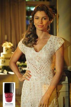 Linha de esmaltes de Giovanna Antonelli é sucesso entre personagens de 'Flor do Caribe'