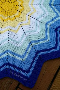 One of the best versions of the round rainbow ripple blanket I've seen.