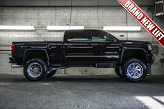 """Duramax Diesel Lifted 2015 GMC Sierra 2500 Denali 4x4 Loaded Pickup Truck with a Brand New 6"""" Fabtech Performance Lift with 22"""" American Force Blade Wheels on 37"""" x 13.50 R22 Toyo Open Country MT Tires For Sale 