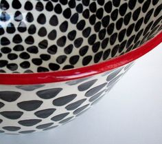 Black/white and red bowl