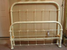 Best Details About Antique Victorian Metal Cast Iron Full Bed 400 x 300