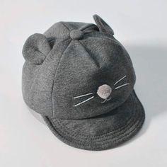 Nuevo sombrero del bebé con diseño del gato de la historieta embroma el  sombrero de béisbol a87e1ba478c