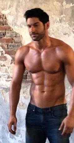 my favoruite lists Tom Ellis Shirtless, Shirtless Men, Hunks Men, Hot Hunks, Looks Baskets, Tom Ellis Lucifer, Hommes Sexy, Muscular Men, Hot Actors