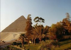 Day tour  pyramids cairo - WWW.egypttravel.cc its wonderful time in early morning to visit the great pyramids in Egyptian desert .