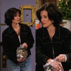monica geller's style 90s Haircuts, 90s Hairstyles, Short Bob Hairstyles, Monica Friends, Rachel Friends, Friends Moments, Friends Tv Show, Friends Series, Monica Gellar