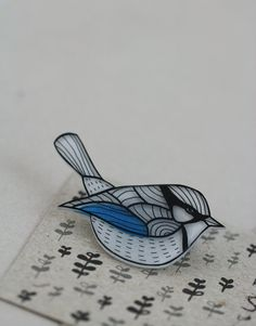 Splendid Wren Pin from LilaRubyKing, in Greece, on Etsy This is so lovely, I'm thinking maybe for my Mum?