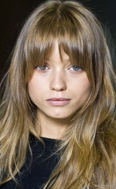 New Hair Cuts Flequillo Face Shapes Ideas Fringe Hairstyles, Hairstyles With Bangs, Pretty Hairstyles, Layered Hairstyles, Medium Hair Styles, Short Hair Styles, How To Cut Bangs, Long Bangs, 60s Bangs