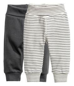 Dark gray. CONSCIOUS. Striped leggings in soft organic cotton jersey with wide foldover ribbing at waist and ribbed hems.