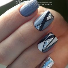 Nageldesign & Nailart Amazing nail designs and new creative ideas # amazing # ideas # creative # nai Cute Nails, Pretty Nails, Hair And Nails, My Nails, Pinterest Nail Ideas, Chevron Nail Art, Geometric Nail Art, Nails Studio, Nailart