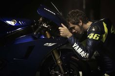Valentino-Rossi-Jorge-Lorenzo-Yamaha-M1-MotoGP-12.jpg 1,000×667 ピクセル