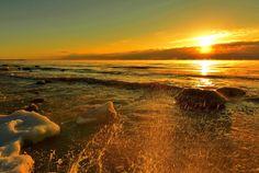 Cold Splash by AZ Imaging, via 500px