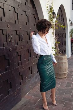 Leather skirt - sexy green!!!