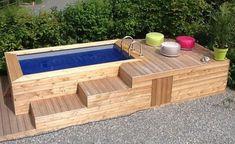 Index zwembad met houten omheining
