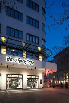 Here the Hard Rock Café Berlin... Prost!