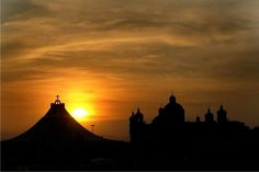 Basílica de Guadalupe at dawn