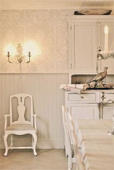 Sagolika sinnen: Köket är klart i delmål 1!!! Old Fashioned Kitchen, Swedish Decor, Little Cabin, Swedish House, Scandi Style, Animal Decor, Scandinavian Home, Wainscoting, Carpe Diem