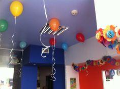 Festa com balões!  Balloon party!